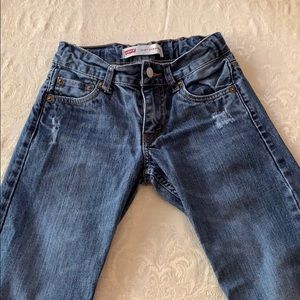 Distressed size 8 boys Levi's jeans